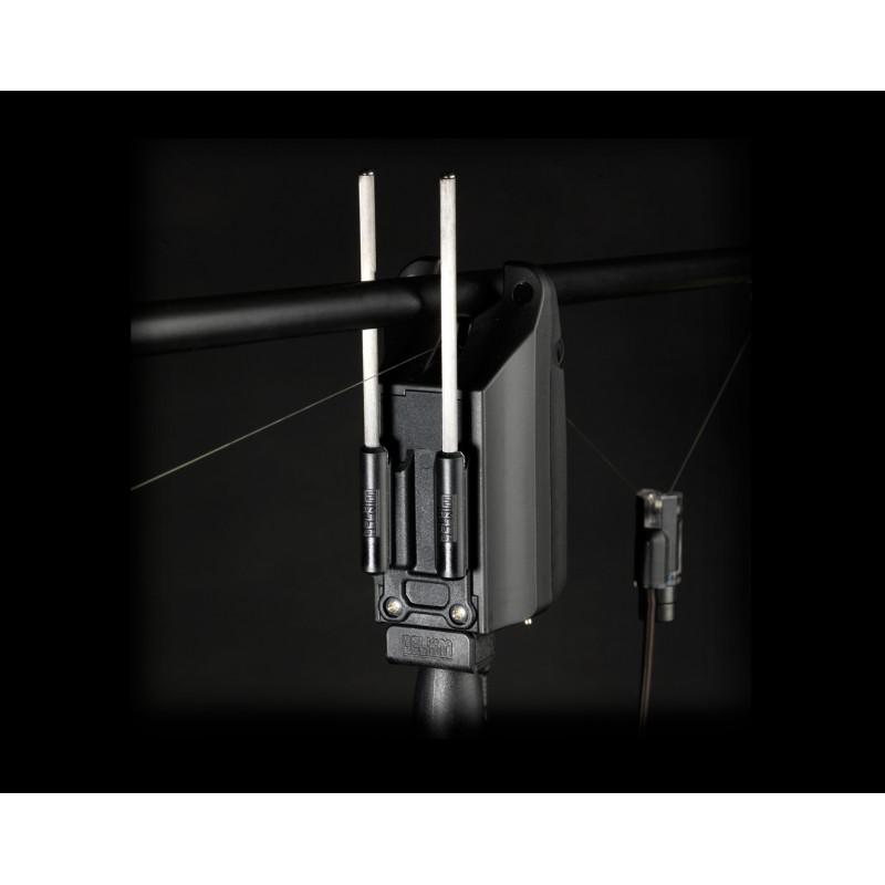 Фиксатор удилища для электронных сигнализаторов поклевки Delkim Safe-D™ – Carbon Snag Bars